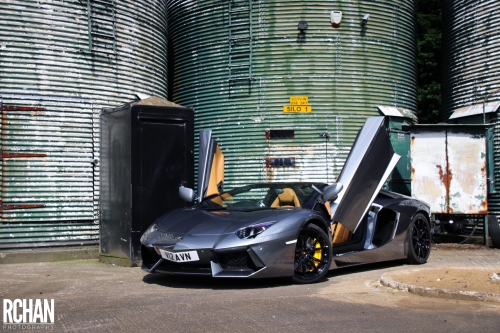 Lamborghini-Aventador11