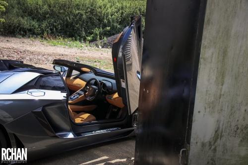 Lamborghini-Aventador12