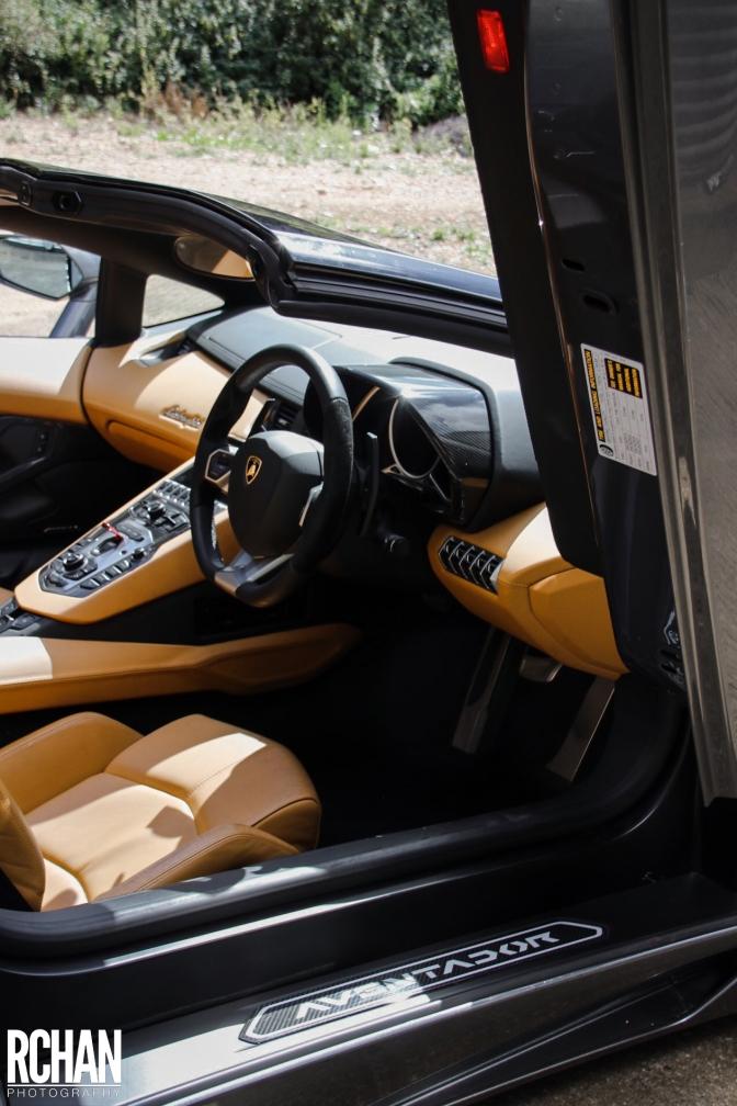 Lamborghini-Aventador14