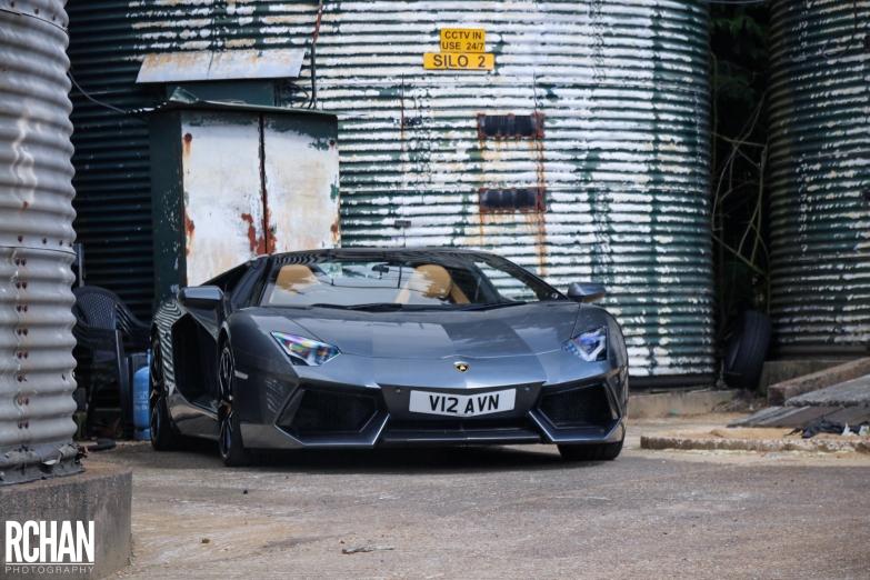 Lamborghini-Aventador17
