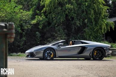 Lamborghini-Aventador2